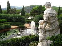 Сады Святой Клотильды (Jardins de Santa Clotilda) - на заднем плане виден кусочек пляжа Sa Boadella