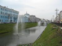 Был когда-то овраг прямо в центре города. Облагородили, получилось - а-ля Санкт-Петербург