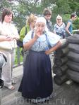 Экскурсия по Кижам. Наш экскурсовод. Она была одета, как местные крестьянки