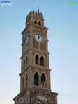 В 1906 году над главным входом в хан была построена красивая башня с часами. Подобные башни с часами были построены также в Яффе и в Иерусалиме.