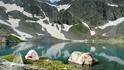 Наш лагерь на небольшом полуострове на берегу озера,выс.2560м