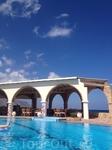 Малия. Отель Pyrgos Beach Hotel Apartments  Вид на бассейн