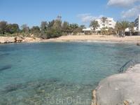 и такой вариант Нисси бич есть :) мало кто, правда, знает о таком естественном бассейне )) а нужно всего лишь пройти дальше по пляжу