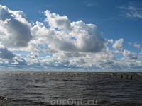 Белое озеро относительно спокойно.