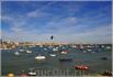 Из пляжей следует отметить расположенный западнее Guincho, собирающий любителей виндсерфинга и кайтсерфинга со всего мира.