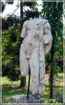 настоящие древнеримские статуи,Gardens of Champ de Bataille