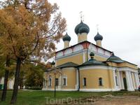 По легенде когда-то на рубеже X-XI веков ростовский князь Борис Владимирович, впоследствии ставший святым, построил в подвластном ему Угличе деревянный ...