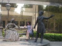 Подарок Москвы Подгорице. Наверное, черногорцы были удивлены, а нам забавно видеть памятник А.С. Пушкину в самом центре их столицы