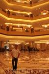 Интерьер 7-зведночного отеля Эмирейтс Палас. Чтоб я так жил.