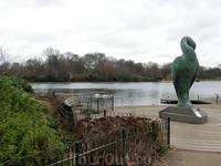 Это интересный уголок парка, статуя, создание которой навеяно древнеегипетской богиней Isis. Автор - британский скульптор Simon Gudgeon.