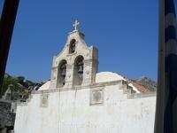 Монастырь Писо-Превели.Церковь, в которой хранится знаменитая святыня - чудотворный крест, часть которого у основания состоит из дерева Священного Креста, вывезенного из Константинополя.