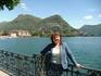 на фоне Луганского озера