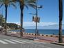 А это уже набережная в Ллорет де Маре. Погода после обеда солнечная, море - синее и настроение -веселое.