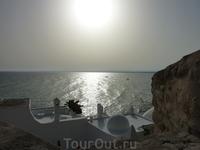 Вид со старой Медины в Хаммамете. Фотоаппарат чуть не сошел с ума от яркости солнца.