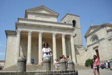 Сан-Марино.  Базилика  Санто-Пьеве, построена в 1838 году по проекту архитектора  Антонио  Серра .