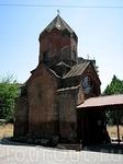 Ереван, церковь Сурб Катогике Аствацацин XIII в на пересечении ул. Абовяна и просп. Саят Новы