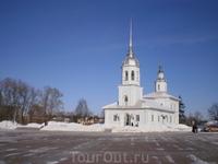 Церковь на набережной у Вологодского кремля