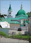 зелёные купола и крыши Свято-Троицкого мужского монастыря