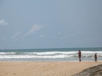 Тоже пляж а острове. Впереди открытый океан.