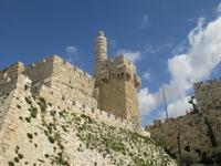 Крепость Давида - и вновь камни...Древние разрушенные крепости, археологические раскопы, укрепления крестоносцев. Старинные кварталы израильских городов – будь это Иерусалим, Хайфа, Яффо или Акко- кам