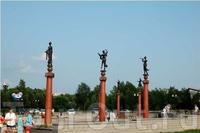 Скульптуры на Театральной площади