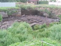 С виду яма как яма, а на деле - знамениый Троицкий раскоп, который археологи десятилетия копают и  неизвестно сколько еще будут копать.