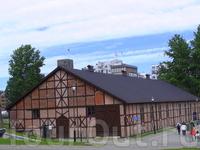 Крепость и замок Акерсхус  довольно хорошо сохранены и реставрированы.Как и у большинства сооружений подобного рода,у Акерсхус есть своя,богатая история ...