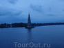 Колокольня затопленного Николаевского собора под Калязиным. 22  часа. Идет концерт, но его прерывают, объявив, что проплываем этот собор. Такая продуманная ...