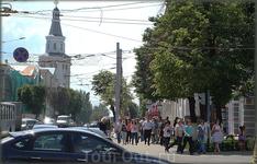 перекрёсток улиц: К.Маркса и комп. Воробьёвых ( слева видна бошня сельхоз академии)