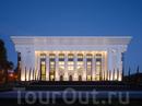 Дворец Форумов Palace of International Forums. Творение известного архитектурного бюро Ippolito Fleitz Group