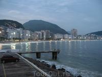 Вид от ресторана Коломбо на пляж Копакабана