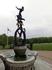 Грин-парк. Красивый фонтан стоит у входа в парк. Мы направляемся через парк к королевскому дворцу.