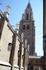 Красоту Кафедрального собора Девы Марии  не нарушило даже стихийное строительство: в последующие века святые отцы не слишком заботились о целостности его ...