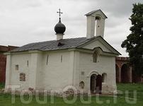 Церковь Андрея Стратилата (XIV—XVII вв.)