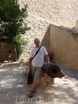 Окружённая стеной медина - наиболее интересная часть Хаммамета. В Старый город можно попасть через извилистый проход в воротах. Прежде такие проходы были ...