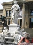 Берлин. Памятник Шиллеру