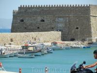 Порт Ираклион . Венецианская крепость