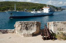 крепость Эль-Морро в г. Сантьяго де Куба. Строительство крепости продолжалось с 1640 по 1642 годы и ее основная задача состояла в зашите Сантьяго от пиратов ...