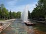 Фонтаны Самарской площади. Самарская площадь отделена от площади Славы улицей Молодогвардейской