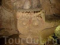 Иджеван,храм в пещерах Ластивер, недалеко от села  Енокаван