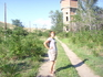 """Вдали - вершины Сарыкума, а на переднем плане - старая водонапорная башня недействующей ж\д станции """"Кумъ-Торкале"""""""
