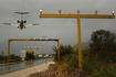 Тиват. Самолеты в Тивате садятся над дорогой