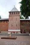 Смоленск, Вечный огонь в сквере Памяти Героев.  Вечная память павшим, вечная слава живым!