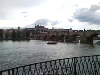 Вид на Карлов мост с набережной Влтавы