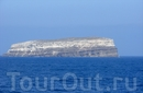 Этот островок около о.Санторини полностью (100%) из пемзы. Продается за 10 млн. евро.