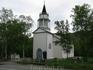 Церковь в городке Kafjord была построена в 1837 году после того, как англичане начали разработку медных рудников. Английское влияние заметно в таких деталях ...