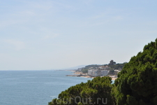 Вид на побережье со смотровой площадки.