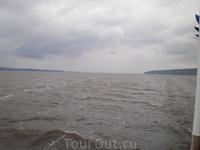 По дороге из Чебоксар в Козьмодемьянск сгустились тучи и пошел дождь