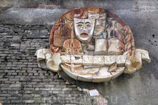 Дом культуры пос. Рауталахти... двери закрыты на замок, на окне записка: не мусорить! Состояние ужасающее :(