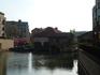 Плотинка с колесом на реке
